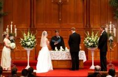 Kaarsen op bruiloft